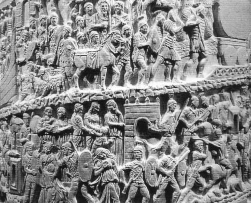 Particolare della copia della colonna Antonina in scala 1:10. Attualmente esposta nella sede centrale dell'ACEA di Roma (realizzata in collaborazione). Committente: ACEA, 1993