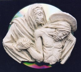 Pietà. Altorilievo modellato in plastilina e realizzata in resina e cd, 2000