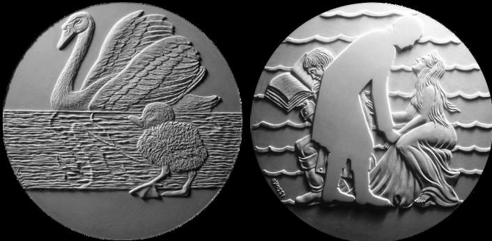 Il Brutto Anatroccolo / L'Ombra di Cristian Andersen. Recto di modelli in gesso per la realizzazione di medaglia coniata in argento. Committente: ditta danese, 2010