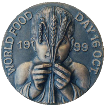 Recto di medaglia in bronzo coniato, realizzata per la Giornata Mondiale dell'Alimentazione. Committente: F.A.O. Food and Agriculture Organization of the United Nations, 1999