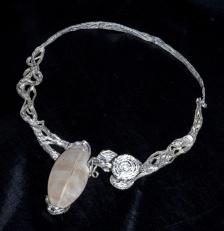 Collana in argento con fossile. Committente privato, 2013